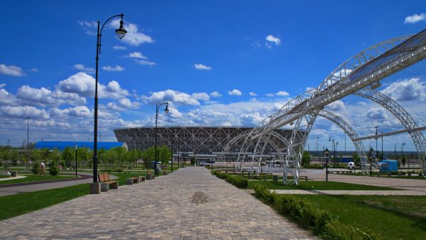 Волгоград парк Победы и стадион Волгоград-Арена вдалеке