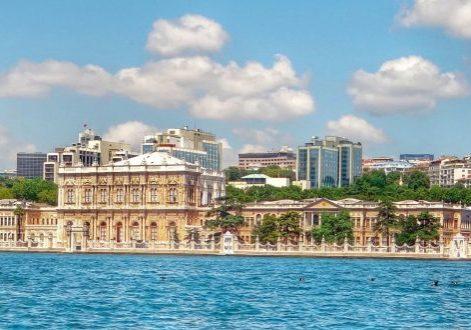 Турция Стамбул Дворцовый комплекс Долмабахче.